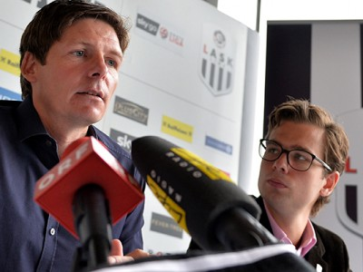 LINZ,AUSTRIA,15.JUN.15 - SOCCER - Sky Go Erste Liga, LASK Linz, press conference, presentation of head coach Oliver Glasner. Image shows head coach Oliver Glasner and press officer Lino Heiduck (LASK). Photo: GEPA pictures/ Florian Ertl